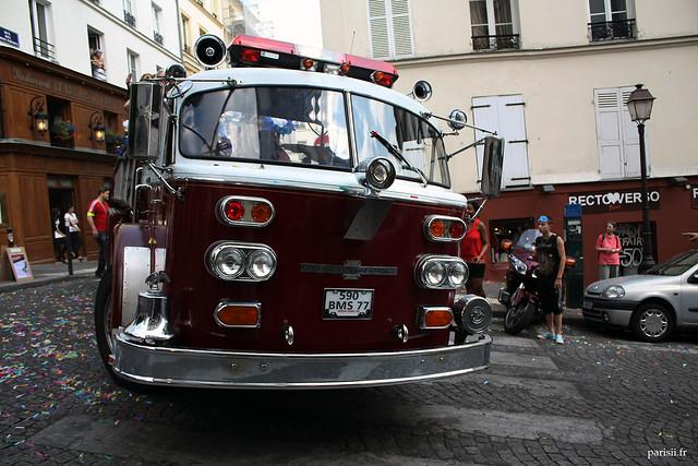 Superbe ancien camion de pompiers