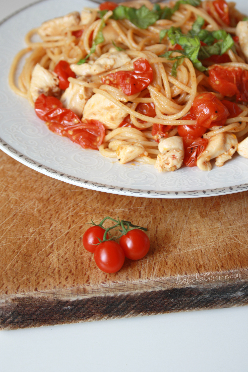 Spaghetti with tomatoes and chicken