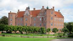 IMG_1006: Manor House