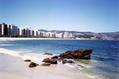 Olympus Stylus Epic DLX test 2 (Rodrigo Neves - Catching up with your great work s) Tags: sea brazil beach water rock brasil buildings gold sand rj kodak olympus ps stylus 100 epic canoscan niteri icara dlx lide20
