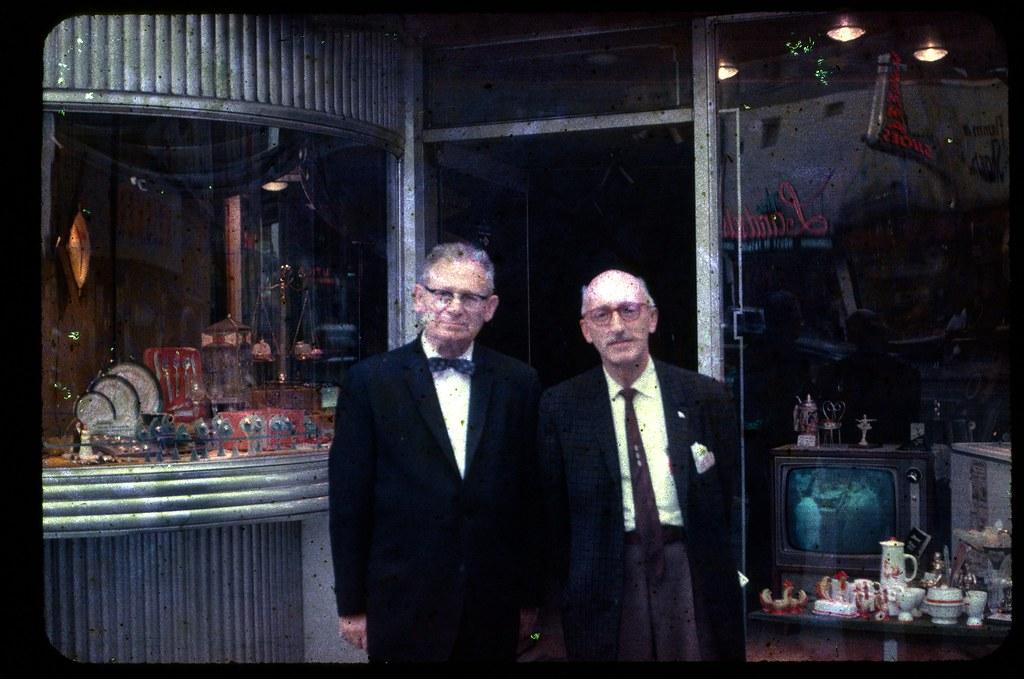 Found Photo - September 1961 Kodachrome