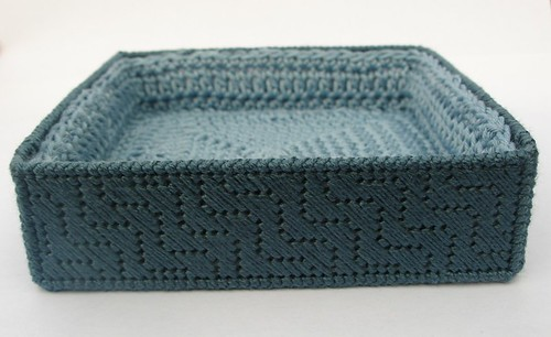 Plastic canvas box - side view with crochet lining