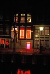 Barrio Rojo, Amsterdam (elenaportfolio) Tags: amsterdam lomo lomolca redlight e6 diapositiva diapo barriorojo e6film