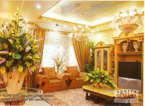 5019480288 eb8c39d7d5 o Rumah Banglo Datuk Sosilawati Lawiya. Mewah!!