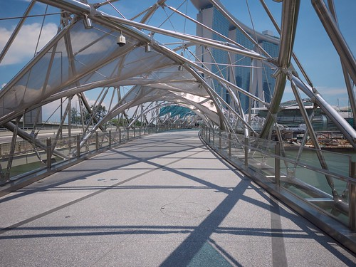 Double Helix footbridge to Marina Bay resort