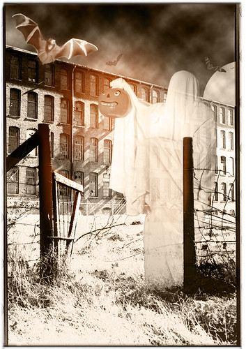 Hallowe'en #2 - Halloween greeting cards by bindlegrim aka Robert Aaron Wiley  (2004)
