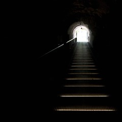 keyhole ... (zecaruso) Tags: light austria sterreich hill tunnel keyhole graz luce steiermark collina ze styria schlossberg zeca 500x500 gradec stiria bucodellaserratura nikond300 bestminimalshot zecaruso cicciocaruso mrchengrottenbahn redmatrix kwadratsquare theauthorsclub gigilivornosfriends