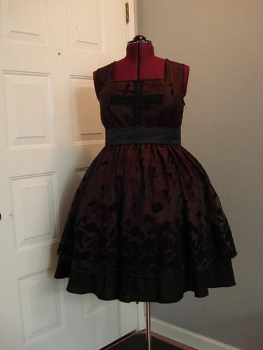 Maroon Gothic Lolita 01