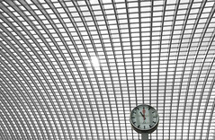 """Earlier that same day......... (Dutch Dennis) Tags: red bw sun abstract clock lines station architecture train canon blackwhite europe arch belgium belgique time belgi wideangle arches symmetry line hour calatrava eleven luik seconds tgv roermond 1100 belgien lttich lige guillemins 11oclock dutchdennis"
