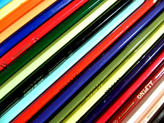 Alpino (aidanone*) Tags: wood color colour macro colors pen pencil madera paint colours zoom lapiz colores colourful pintar lpices lapicero colorido colorines alpino