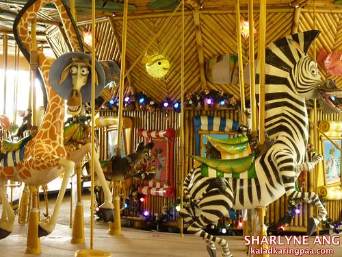 Madagascar Merry - Go - Around - Universal Studios