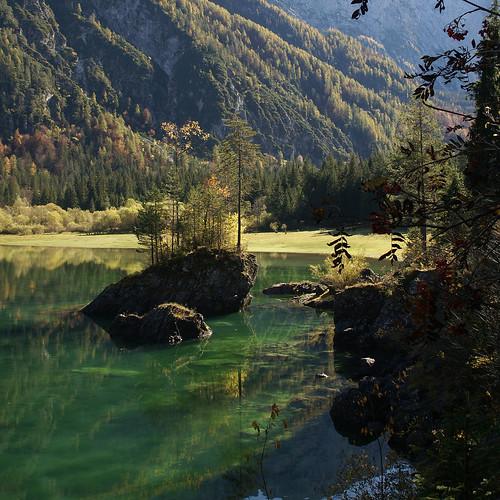 Lago di Fusine superiore - Explore Oct 12, 2010 <a href=