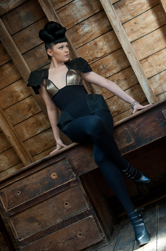 Viktoria Modesta - Upstairs 8