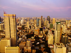 Golden Metropolis | Bangkok (I Prahin | www.southeastasia-images.com) Tags: sunset red sky beautiful skyline bar river thailand golden democracy riot bangkok military politics rally protest police peaceful mob demonstration drinks stunning violence cocktails democrat redshirt sirrocco coup silom cityofangels erawan skybar statetower thedome thaksin udd lebua ratchaprasong highestbar worldsbestbar lebuahotel totallythailand abhisitvejjajiva bestcapturesaoi gettyimagessoutheastasiaq1