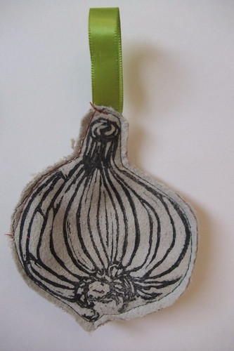 garlic ornaments 005