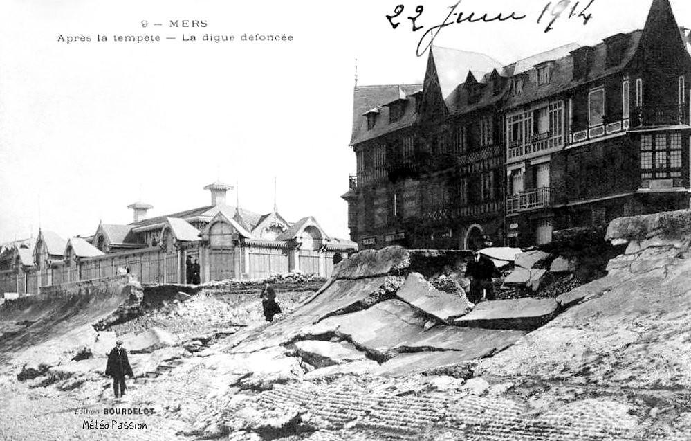 digue défoncée et dégâts après la tempête du 16 mars 1914 à Mers les Bains