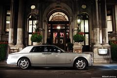 Rolls-Royce Phantom (Willem Rodenburg) Tags: street 3 london car photoshop silver shopping grey nikon unitedkingdom centre united picasa kingdom rollsroyce blingbling rolls bling 1855 phantom luxery royce luxe engeland willem londen lightroom d40 rodenburg expensieve