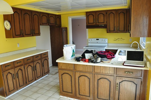 kitchen before reno -2