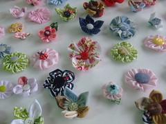Flores em fuxico (Irene Sarranheira) Tags: amigos artesanato fuxico premios artes aprender criatividade sorteio passoapasso seguidores leitores floresdetecido