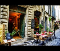Djeuner  Pzenas chez RV (e.breizh) Tags: street old city france atmosphere orton djeuner languedocroussillon k10d ebreizh