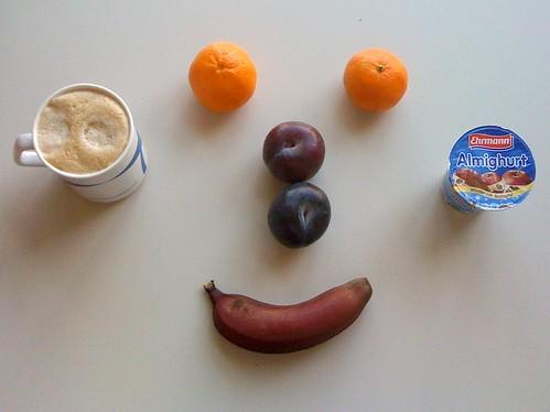 Pflaumen, Clementinen, rote Banane & Almighurt Bratapfel