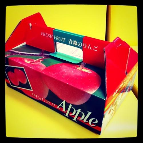 いいじゃんネットの @sakamos さんから、りんごが届きました!ありがとうございます!