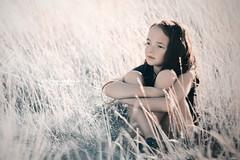 Giulia (Diego Pianarosa (aka Pinku)) Tags: diegopianarosa pinku giulia girl bambina child nice cool bella grano field campo tramonto sunset helios 85mm