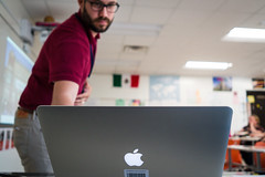 PowerPoint Presentation (Phil Roeder) Tags: desmoines iowa desmoinespublicschools leica leicax2 computer laptop apple