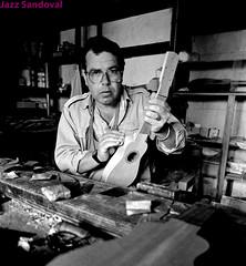 El constructor de timples. Teguise, Lanzarote, enero 1986. (Jazz Sandoval) Tags: blancoynegro retrato lanzarote 1986 legacy nero teguise metà timple a abigfave newacademy daarklands antoniolemes