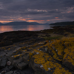 Sunset on the Clyde (Rich3591) Tags: pink sunset red mountains green yellow scotland rocks strathclyde dunoon inverkip theclyde challengeyouwinner coastuk justpentax pentaxk20d welcomeuk
