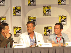 IMG_0046.jpg (inferi) Tags: comiccon brucecampbell burnnotice comiccon2010