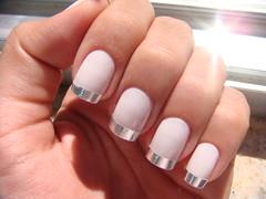 Batida de Coco (Colorama) + Francesinha Prata (Taiane Manhães) Tags: nail polish prata unha esmalte colorama francesinha prateado batidadecoco prateada