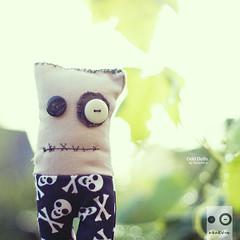 Odd 09/30 (Morphicx) Tags: doll dolls bokeh odd grapevine 50mmf14 ilovebokeh odddolls ithinkiminlovewiththislight