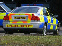 (762) GMP - Volvo S60 - ARV - MX56 NRV (Call the Cops 999) Tags: manchester volvo police august vehicle greater saloon chevron complex s60 gmp battenburg 2010 workshops response armed lightbar arv openshaw mx56nrv