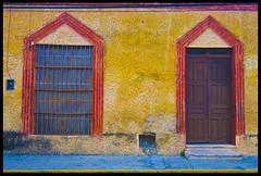 happy merida (prex79) Tags: muro wall mexico happy doors colours geometry yucatan tokina merida frame saturation porte 24mm framing colori 1224 2010 cornice messico
