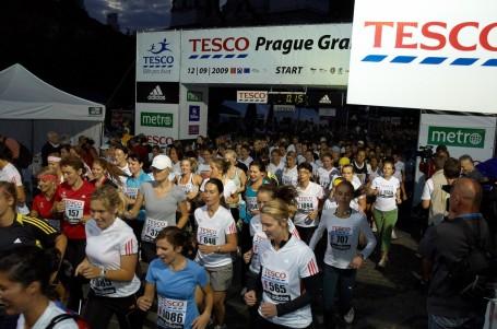 Tesco Grand Prix Praha: Večerní běžecká show vyprodána