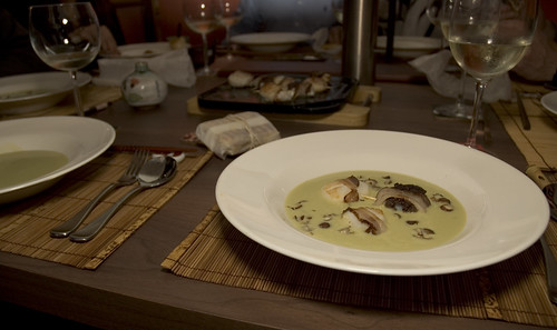 avacado soup with scallops