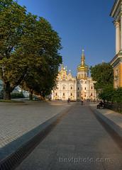 110_Kiev_Aug11 copy (karamia29) Tags: ukraine monastery kiev hdr orthodoxchurch kievpechersklavra