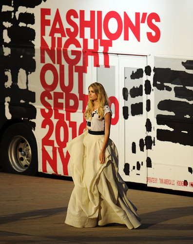 Fashion+Night+Out+Show+Runway+U8mtJC6LhMdl