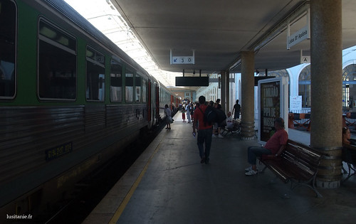 Arrival onto the Santa Apolónia Station