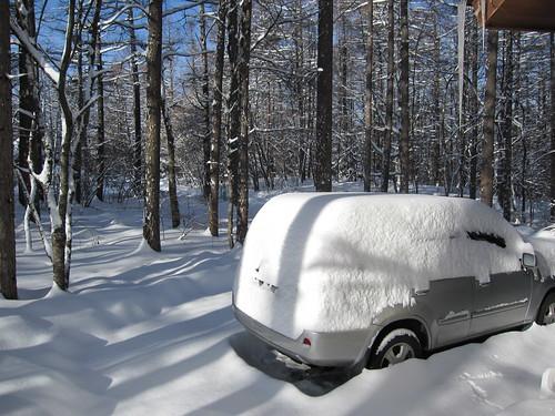 雪を被ったマイカー 2010年2月2日 by Poran111
