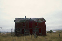 (yyellowbird) Tags: house abandoned southdakota ghosttown okaton