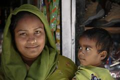 Ma che fai mamma ? (nepalbaba) Tags: nepal mother son mamma kathmandu 2008 cheat figlio powderedmilk inganno concordians allegrisinasceosidiventa gigilivornosfriends renatatmexnepalbaba latteinpolvere