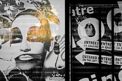 Entre sur la  gauche / Entered on the left (Alyxandco) Tags: urban signs paris france reflection art shop poster store magasin arte panel frana reflet tienda urbano shopwindow urbanism reflexion francia franca cartaz loja panneau reflexin urbanismo cartel affiche vitrine painel pars signos urbain urbanisme sinais reflexo signaletique vitrina signaltique reflexao alyxandcohotmailcom alexandrebouges