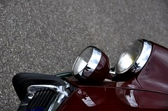 French design... (CitroenAZU) Tags: red reflection wine 21 citroen ds headlight bonnet 19 phare capot pallas weerspiegeling motorkap worldcars