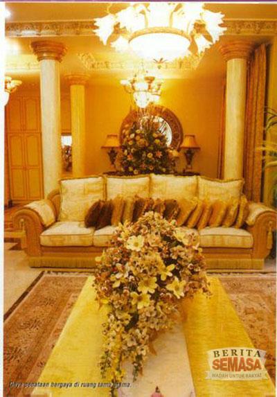 5018875993 f78d7f85f9 o Rumah Banglo Datuk Sosilawati Lawiya. Mewah!!