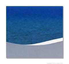 CURVE (Enrico Lo Storto) Tags: blue color beach alberi italia mare colours colore tetto estate blu curve sole acqua azzurro colori pesca bianco spiaggia vieste terrazzo gargano foggia pescatori peschici alenrylu enricolostorto casegarganiche