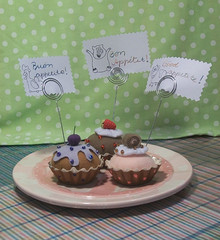 Trio docinho (CANELA COOL by CAROL) Tags: vermelho cupcake porta bolo feltro uva morango doce cereja delicia tuti roxo chantilly marrom sobremesa recado bolinho apetite miçanga fruti