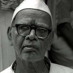 Old gentleman, Udaipur. (ndnbrunei) Tags: blackandwhite bw india 120 6x6 tlr film rollei mediumformat square kodak bn mf rajasthan udaipur xenar rolleicord analoguephotography epson4990scanner rolleigallery ndnbrunei tmy2 kodak400tmy2 50yearoldcamera ilovemyrolleicord