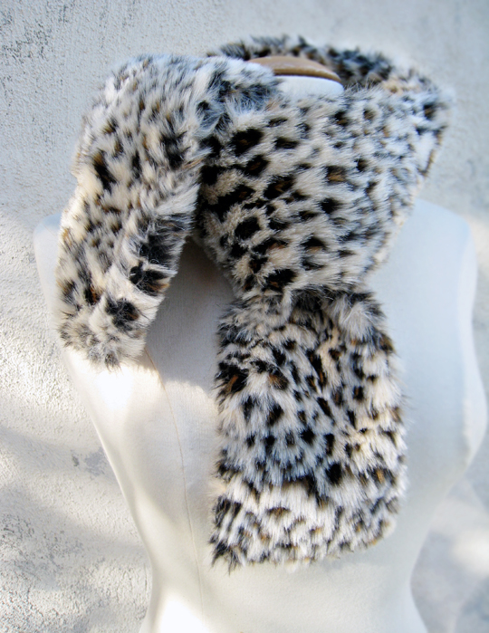 faux fur leopard print neck scarf DIY -knotted, how to make a fur scarf